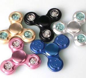 LOT 3x 5x 10x LED light-up flash TRI FIDGET SPINNER Aluminum Metal hand desk toy