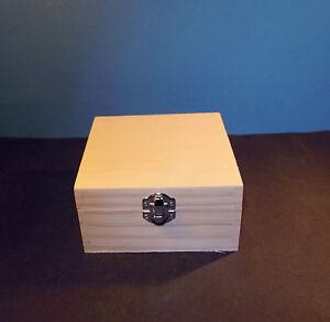 holzbox quadratisch 13 x 13 x 7 cm mit deckel. Black Bedroom Furniture Sets. Home Design Ideas
