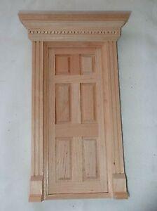 1-034-scale-1-12-miniature-dollhouse-Yorktown-front-door