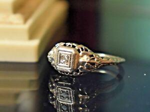 Antique-Art-Deco-18K-White-Gold-Filigree-Small-Diamond-Solitaire-Ring-size-4