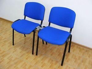 48x-blaue-Besucherstuehle-inkl-48-Kunststoff-Verbinder-Konferenzstuehle-Stuehle