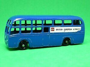 Matchbox-Lesney-No-58a-AEC-entrenador-de-BEA-raro-ruedas-de-plastico-negro