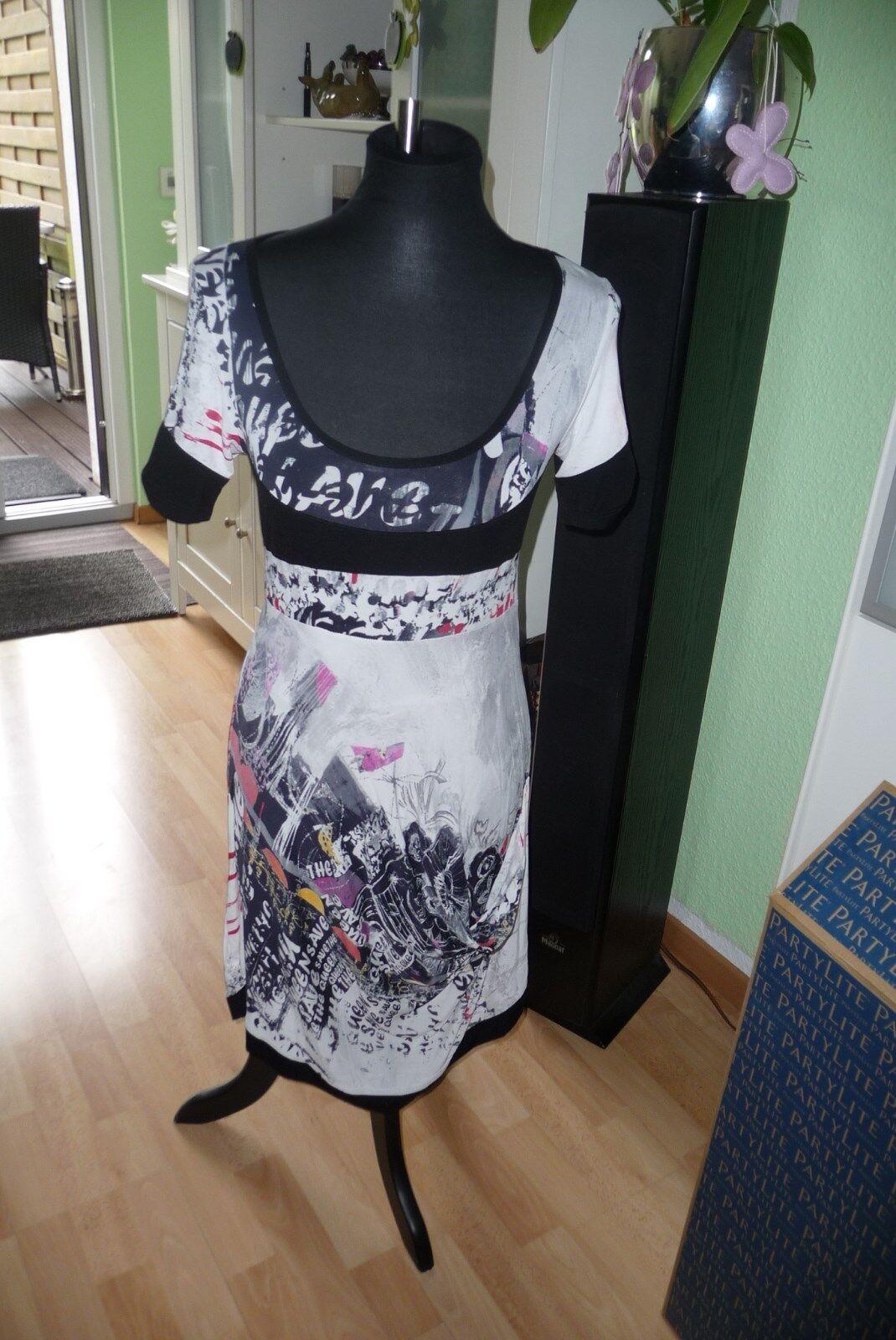 Kleid außergewöhnlich von Save the Queen Gr.  36 Maße beachten