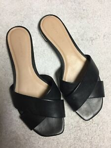 Saks-Fifth-Avenue-Women-s-Black-Leather-Slip-On-Slides-Casual-Sandals-Size-Sz-8
