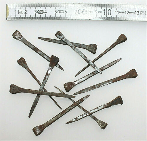 12 Alte Handgeschmiedete Nägel Eisennägel Hufnägel Nagel Befestigung Eisenwaren