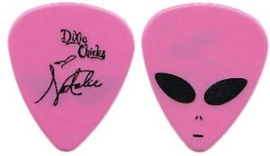 The-Dixie-Chicks-Alien-Pick-with-Natalie-034-Signature-034-Guitar-Pick-Tour-RARE