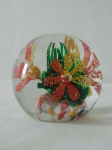 Round-Glass-Paper-Weight-Green-Center-Yellow-and-Orange-Flowers