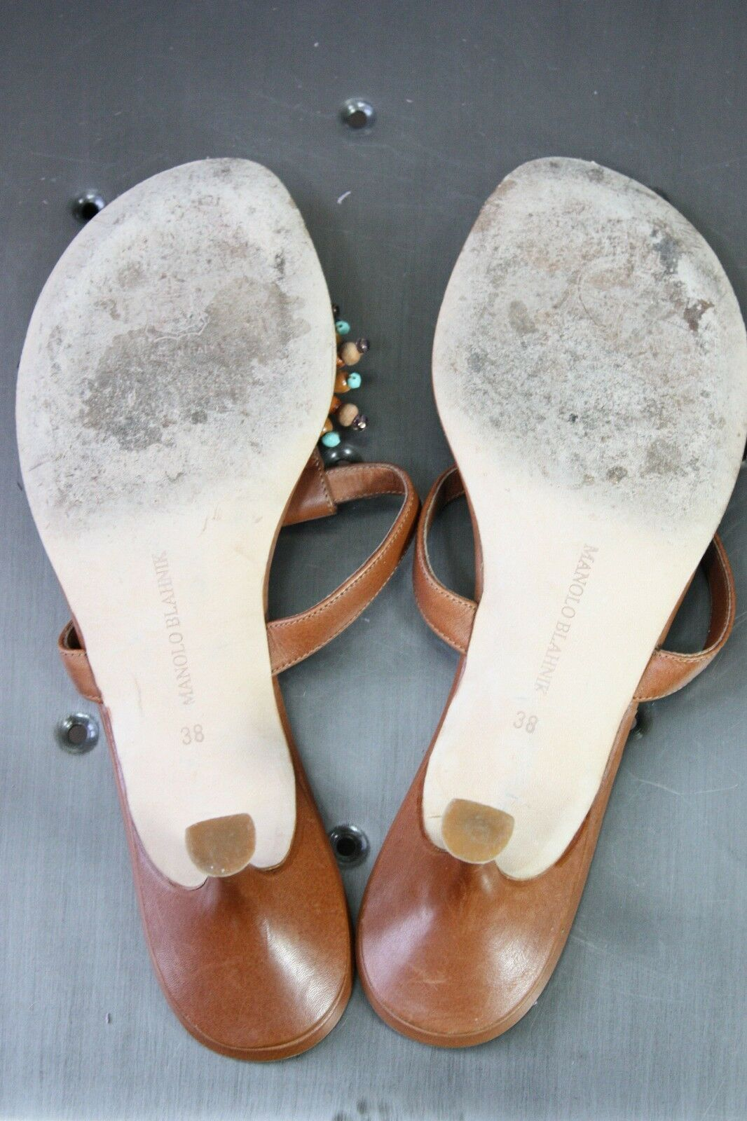 Manolo Blahnik thong sandals 38 8 pelle pelle pelle mint kitten heels beaded slides cd1e45