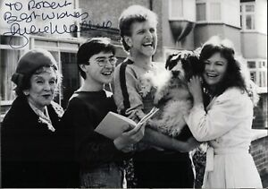 Julie-Walters-Das-geheime-Tagebuch-Original-Autogramm-Autograph-Film-Foto-O-450