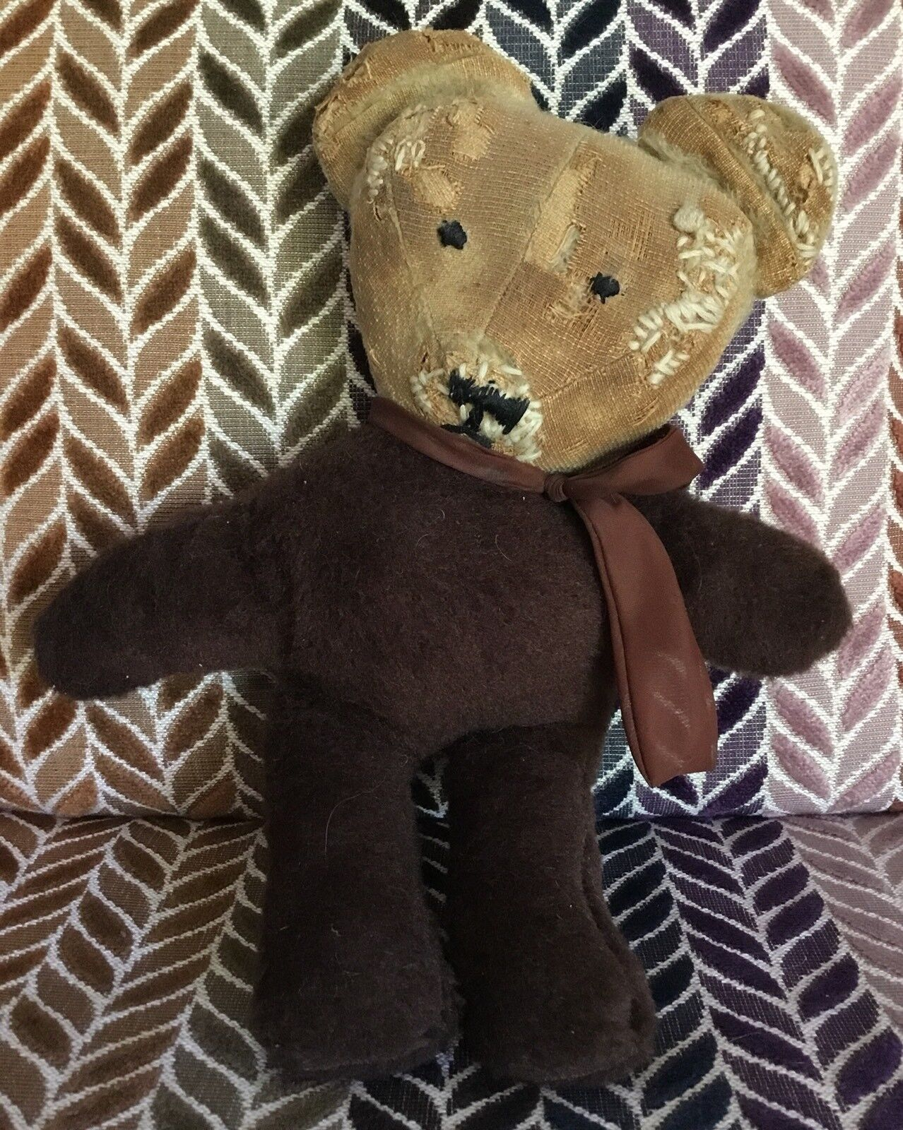 Old Vintage Well Loved Loved Loved Teddy Bear With Lots Of Mummy Stitches And Repairs c1797a
