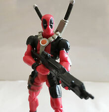 DEADPOOL RED VARIANT 2 w/CUSTOM WEAPONS • C9 • MARVEL UNIVERSE HASBRO