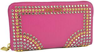 650-MIU-MIU-Rose-vitelo-Cristal-Cuir-Gold-Stud-Clutch-Wallet-Limited-Edition
