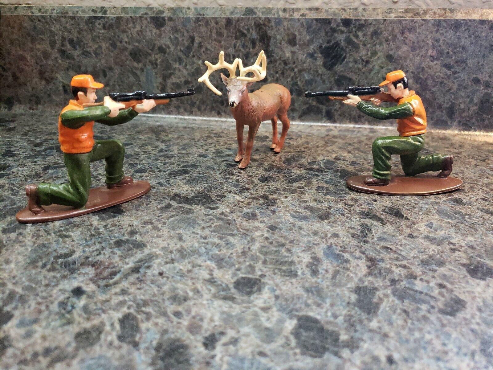 Decopac Deer Hunting Cake Decorating Set Birthday Hunter and Deer Figurine