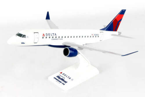 Skymarks Delta Connection Skywest Airlines ERJ175 1/100 Scale Plane with Stand
