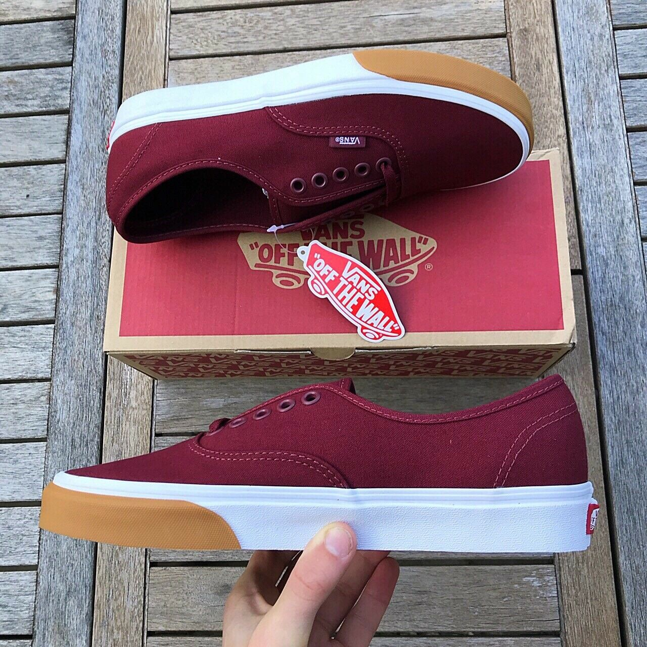 Vans Old Skool Authentic Gum Bumper ROT And Weiß Größe With UK 7 Brand New With Größe Box 5e348c