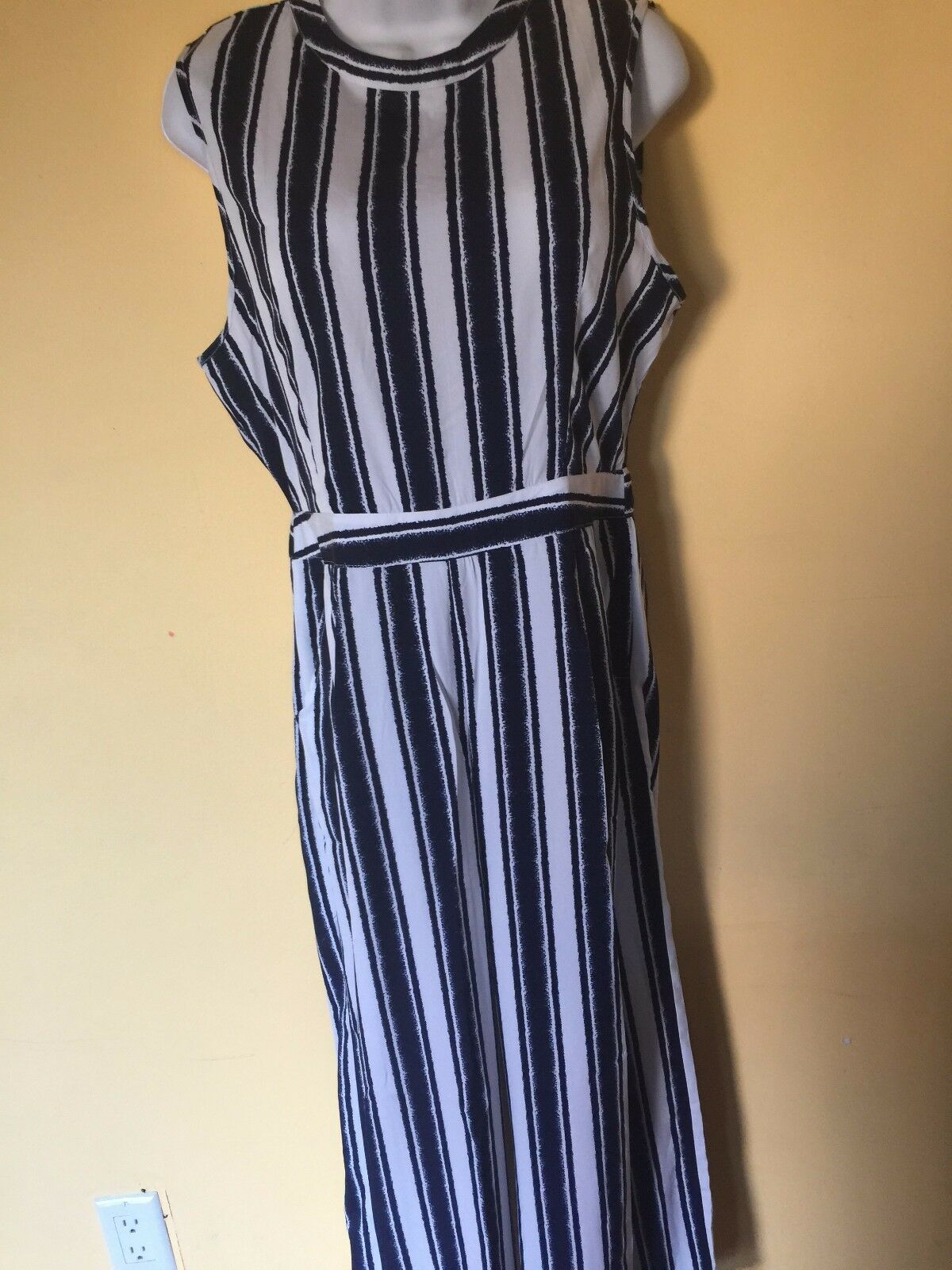 Boohoo Womens Quinn Wide Stripe Culotte Jumpsuit color White Navy Size 10 NWT