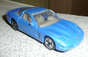 Chevrolet-Corvette-miniature-1-43-Maisto