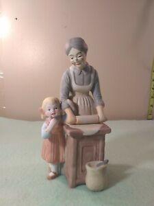 Vintage-Treasured-Memories-1996-Enesco-Grandma-039-s-Cookies-7-034-tall-4-034-wide