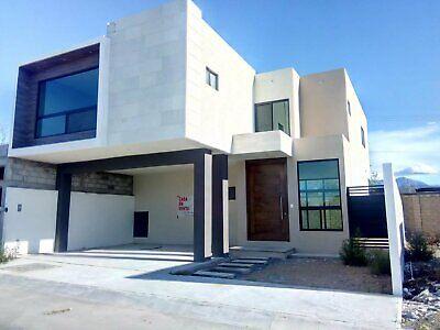 casa en venta al norte frente area verde 3 recamaras 3.5 baños residencial la escondida