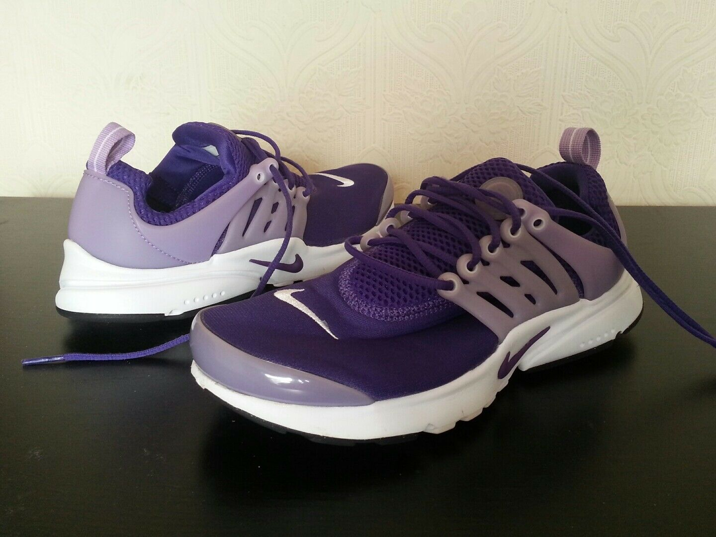 Used twice NIKE ELITE WAFFLE TRAINERS,Taille 4.5, EUR 37.5