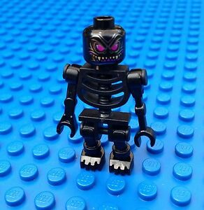 Black LEGO Skeleton Castle Minifigure