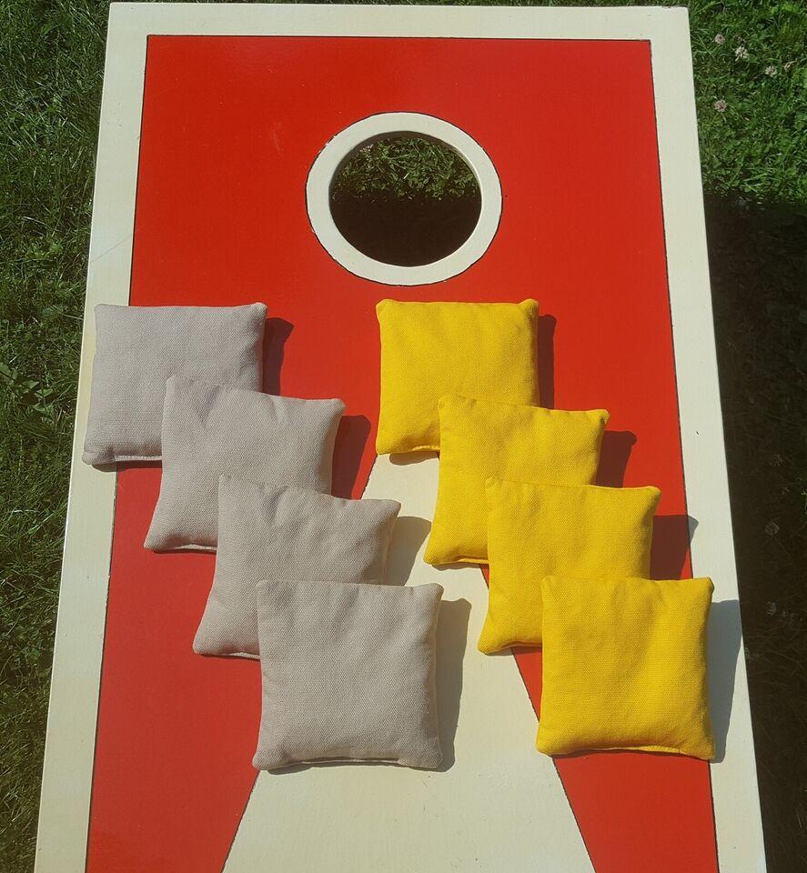 8 cornhole poser (bean bags), Cornhole, udendørsspil