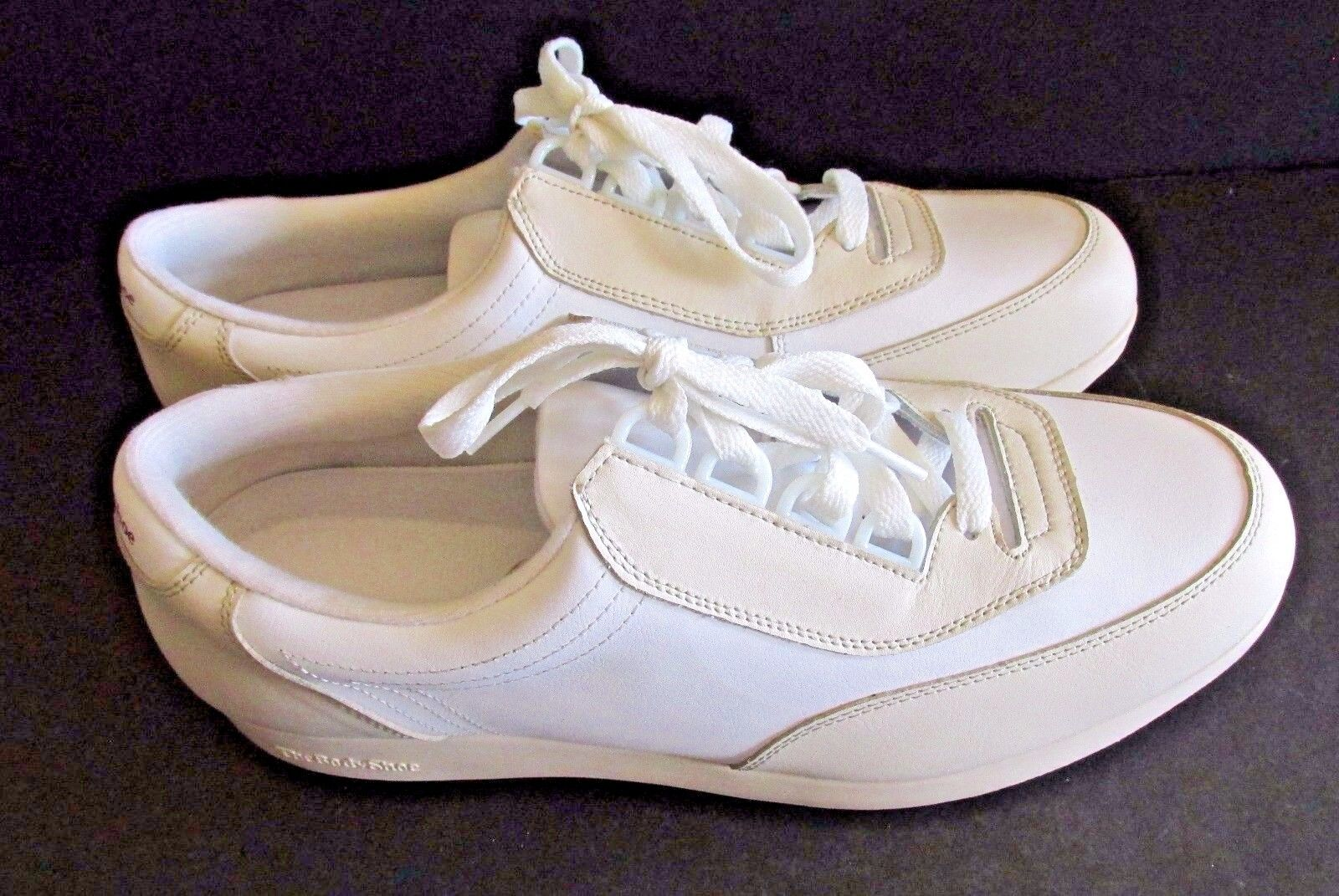 Hush Puppies Women's Upbeat Sneaker NIB Tan & White 10 EW EXTRA WIDE