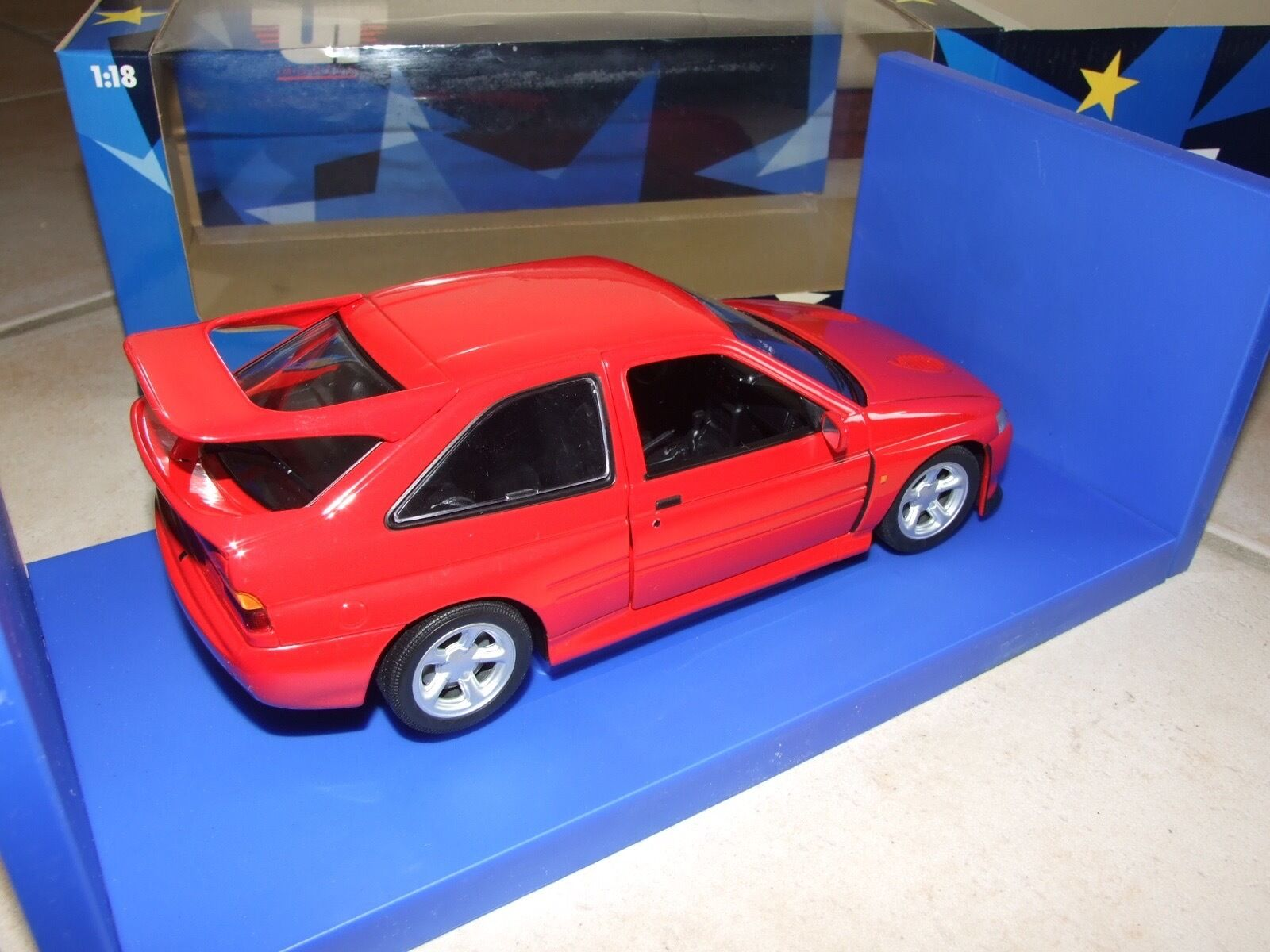 FORD ESCORT COSWORTH UT Rouge UT COSWORTH MODELS 1:18 1a2a57
