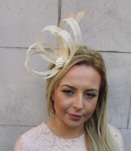 d8db97496c123 Details about Beige Cream Silver Sinamay Feather Hair Fascinator Headband  Races Cocktail 5180