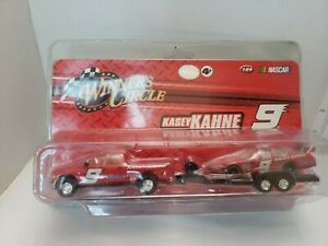 WINNERS-CIRCLE-KASEY-KAHNE-9-1-64-NASCAR-WITH-Travel-Truck-New-Fast-shipping