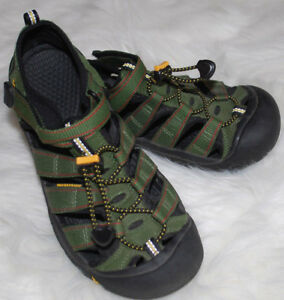 54c129b1daeedc Keen Sandals womens size 6 Waterproof Shoes Army Green Bungee Cord ...