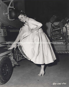 e840f85185 Image is loading ACTRESS-LUCY-MARLOW-LIFTING-HER-DRESS-LEGGY-UPSKIRT-