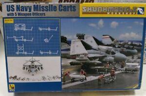U.S Navy Missile Carts w// 5 Weapon Officers SKUNKMODELS 1//48 48023 plastic kit