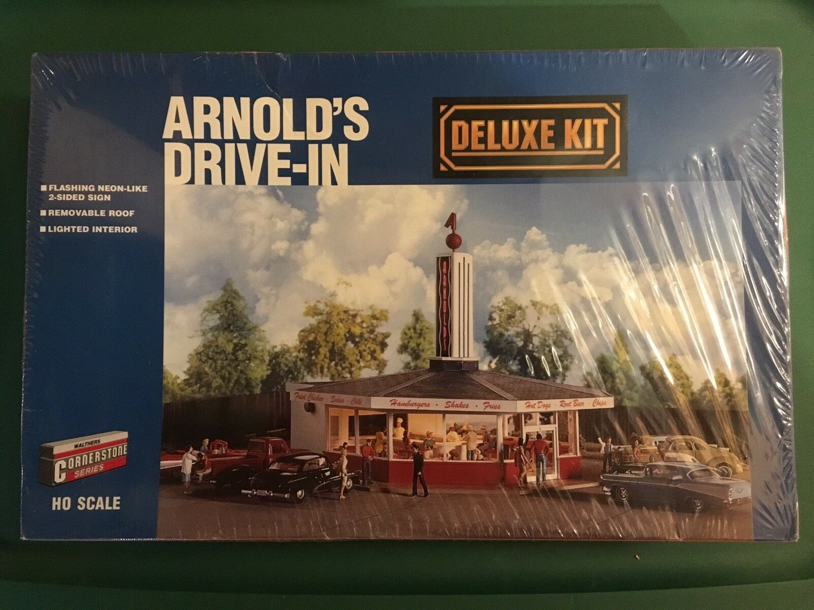 Walthers cornerstone ho 933-3708 Arnold's Drive-in Deluxe Structure Kit