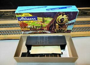 Athearn-2090-HO-Scale-Undecorated-GRAIN-LOADING-BOXCAR-KIT