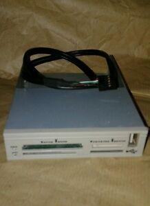 LETTORE SCHEDE DI MEMORIA INTERNO BIANCO 3,5 CON PORTA USB X PC DESKTOP OTTIMO - Italia - LETTORE SCHEDE DI MEMORIA INTERNO BIANCO 3,5 CON PORTA USB X PC DESKTOP OTTIMO - Italia