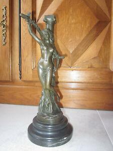 Sensuelle-statuette-femme-nue-bronze-signee-Nick-attachee-erotique-curiosa