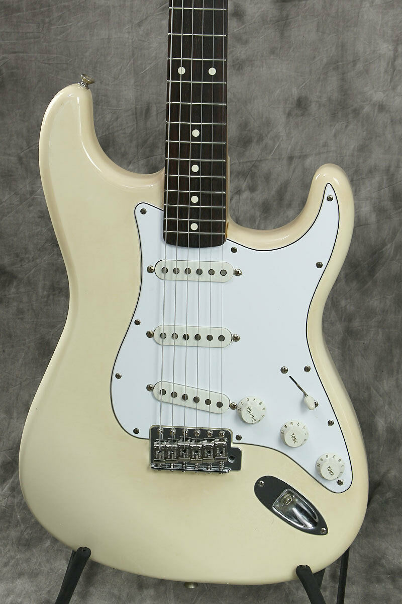 Fender Mexico Classic 70s Stratocaster Vintage Weiß beautiful rare EMS F S