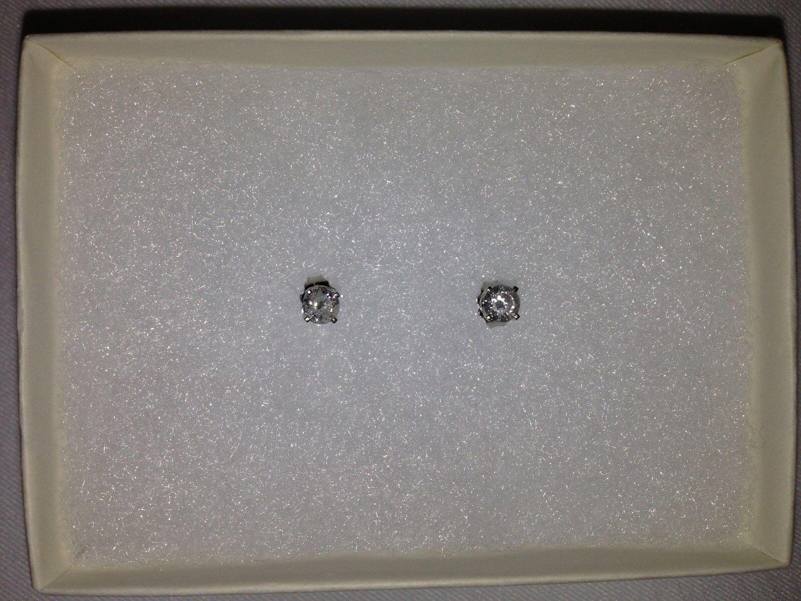 Women's .50CT half carat Round Diamond Stud Earrings  1,500.00 NWT