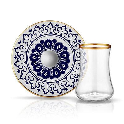 Teeglas und Unterteller aus Bone China Porzellan mit Blau- und Goldverzierung...