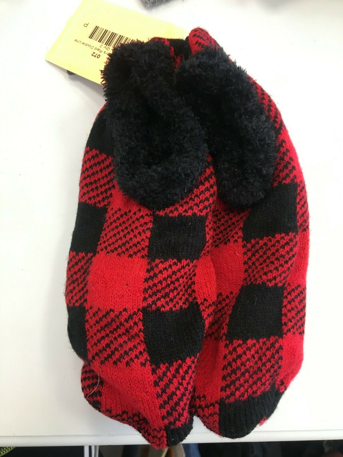 a new day red plaid slippers (one size) DO-63