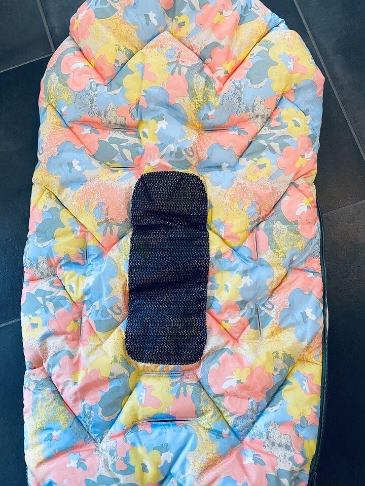 Kørepose, Design by Voksi