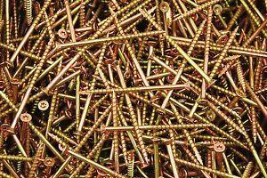 200-Torx-T25-Star-Flat-Head-10-x-3-1-2-Yellow-Zinc-Type-17-Outdoor-Wood-Screw