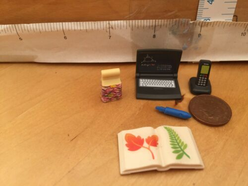 Phone in charger 5577 Playmobil school// class Laptop pencil open book snac