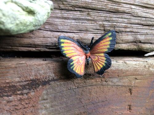 Sneaky Butterfly geocache Nano tube conteneur-connecté et prêt à cacher
