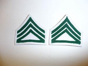 USMCWR FEMALE CORPORAL CHEVRONS GREEN ON WHITE