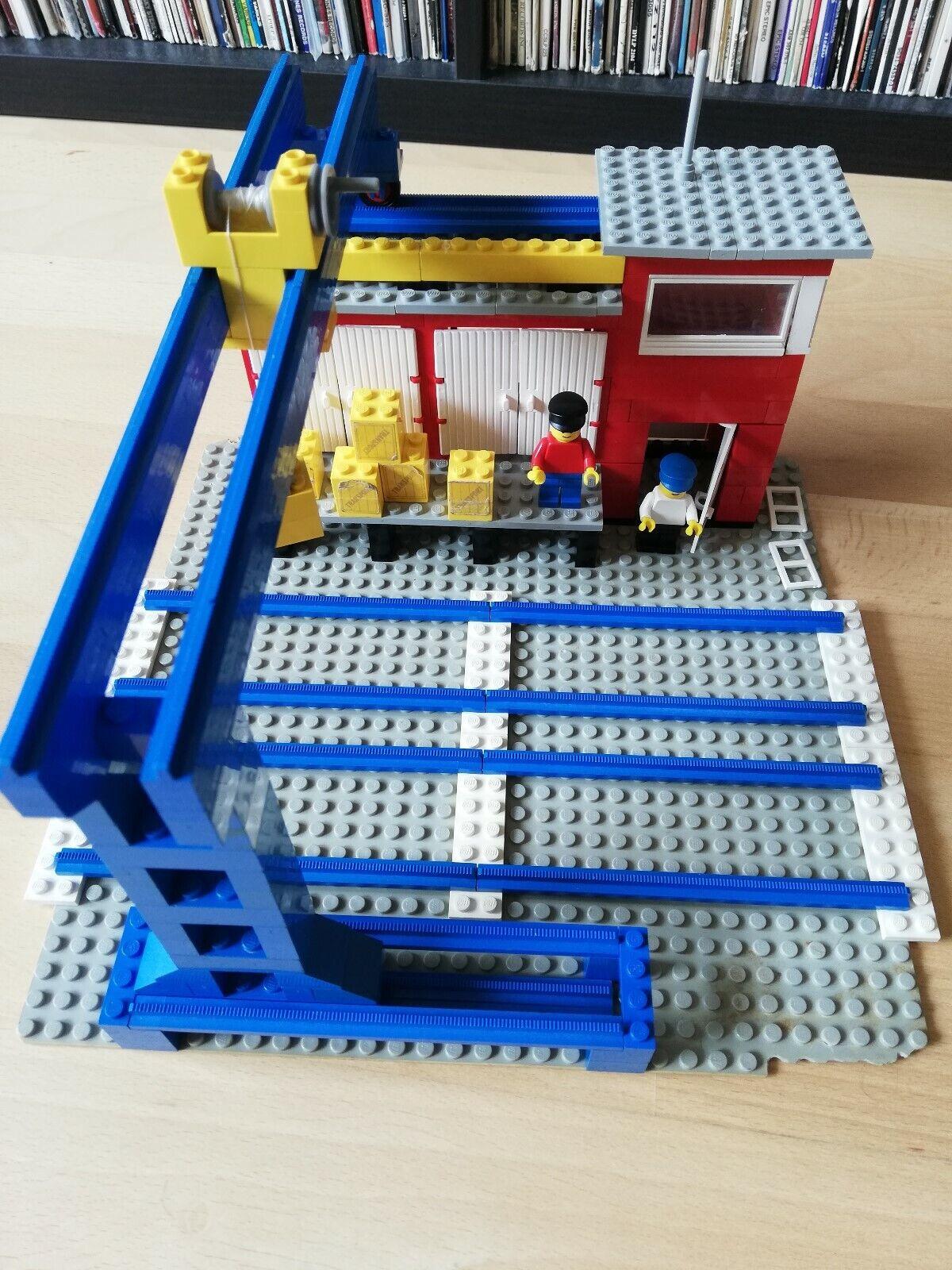 Lego Eisenbahn 165 Cargo Station Frachtbahnhof mit Bauanleitung