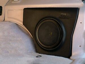 JEEP-PODS-BOXE-8-034-KICKER-SUBWOOFER-ENCLOSURE-AND-SPEAKER-84-01-CHEROKEE-72625K