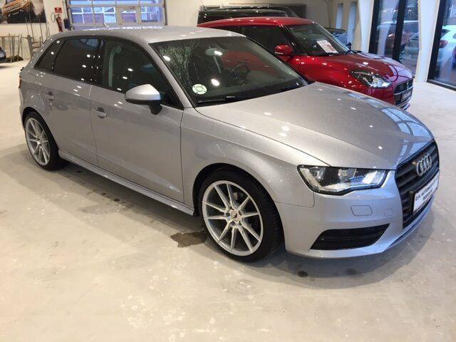 Audi A3 1,6 TDi 110 Ultra Attraction SB 5d