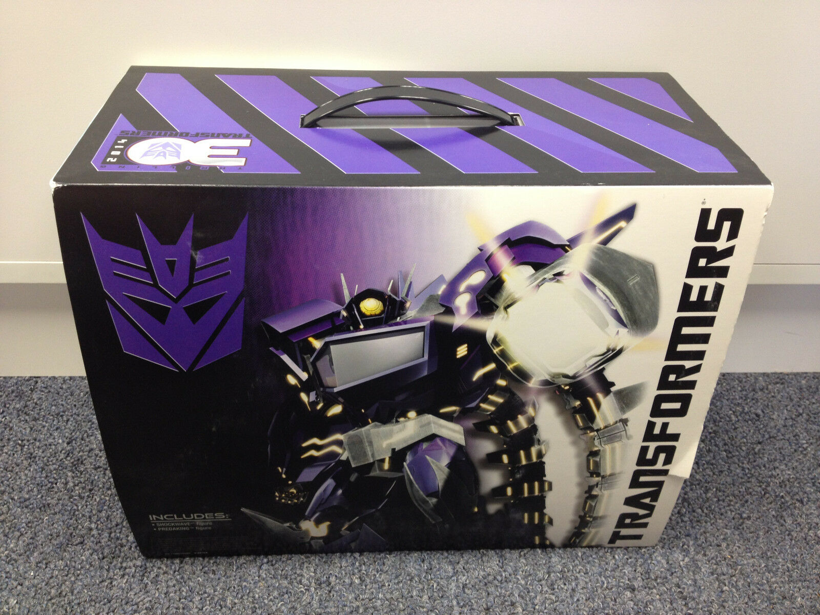 2013 SDCC Comic Con SHOCKWAVE'S LAB Transformers w  PREDAKING  Case Fresh